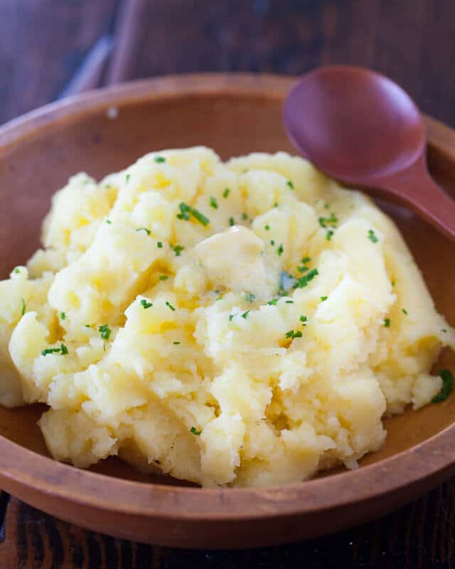 How To Make Deliciously Creamiest Mashed Potatoes.